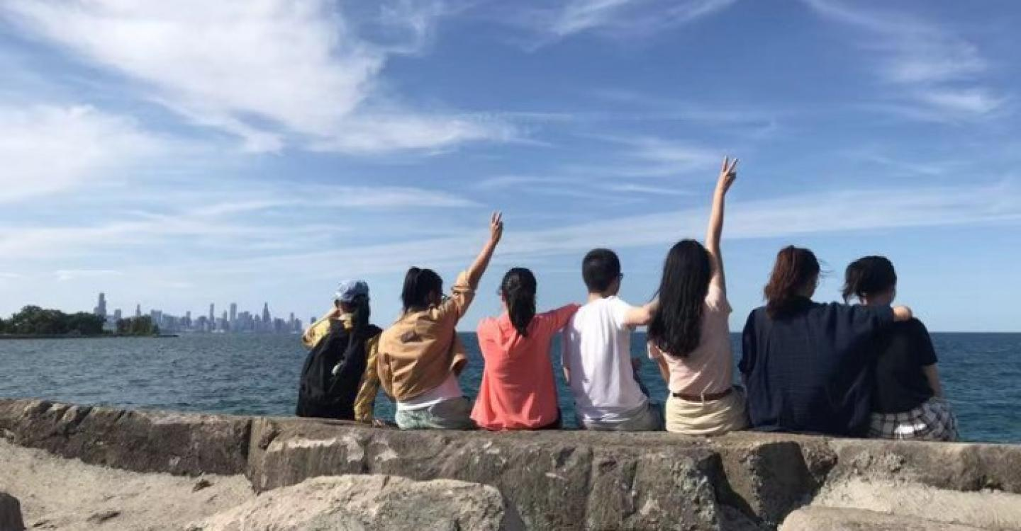 A group of 2019 DPSS students recreate a scene from a famous Taiwanese romance film.