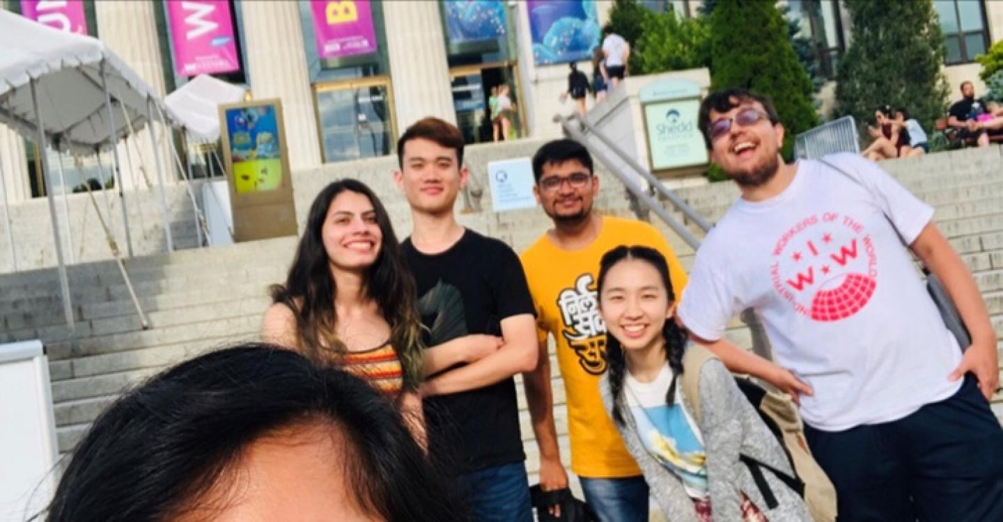 A group of 2019 DPSS students at Shedd Aquarium